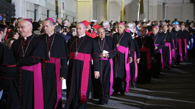 Dom Cesar na procissão de Nossa Senhora Auxiliadora, em Turim.